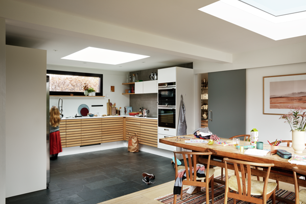 Roof windows add an airy feel to your extension